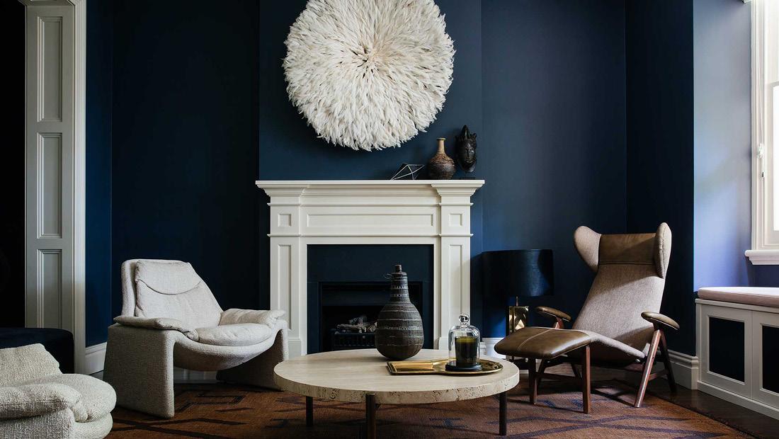 murs et teintes sombres des bleus verts aux verts de gris. Black Bedroom Furniture Sets. Home Design Ideas