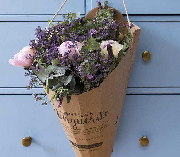 abonnement bouquets de fleurs. Black Bedroom Furniture Sets. Home Design Ideas